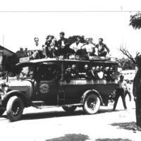 Grup de joves en un autobus_629